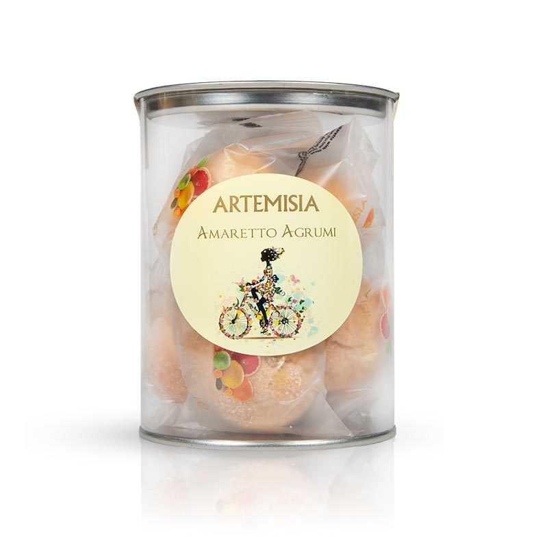 amaretti with citrus fruits